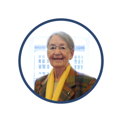 Portrait photo of Councillor Vicky Bennett